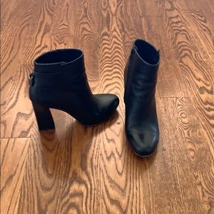 Size 7 Black Michael  Michael Kors ankle booties